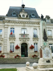 800px-Saint-Germain-du-Bel-Air_-_Mairie_-1